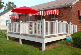 Vinyl deck with Standard Vinyl Railings Price Range: $6900 - $8200